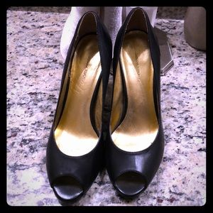 Banana republic black heels size 7